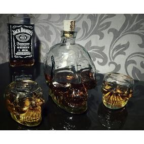 Garrafa Caveira 750ml + 2 Copos 50ml Kit Skull