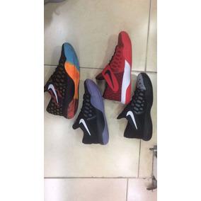 Nike Kyrie Irvingn Baloncesto Disponibles