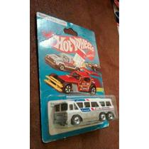 Hot Wheels Greyhound 80s