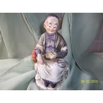 Linda Figura Porcelana Anciana Abuela. Sin Sello