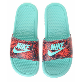 chanclas nike floreadas
