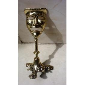 Mascara Do Artista Com Pé Em Bronze Todo Trabalhado.