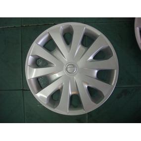 Tapa Rin Polvera Versa 12-17 Nissan Original Nueva