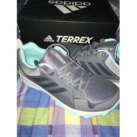 Tenis adidas Terrex Traxion Talla25 Cm