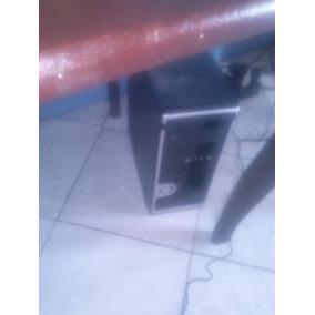 Computadora De Mesa Marca Vizta Con Mesa,disco Duro De 454gb