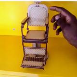 Miniatura Cadeira De Salão Em Mdf