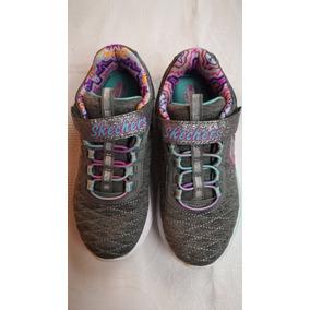 Zapatillas Niña Skechers. Plantilla Memory Foam. Talle 31.