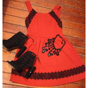 Vestido Corto Rojo Con Encaje Negro
