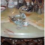 Ganzo De Cristal Mide 13 Cm De Alto Por 10 Cm De Ancho