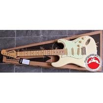 Guitarra Stratocaster Tagima T-635 White Vintage
