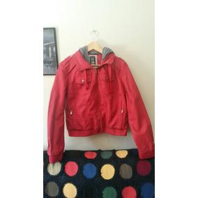 Casaco Vermelho Com Capuz De Lã