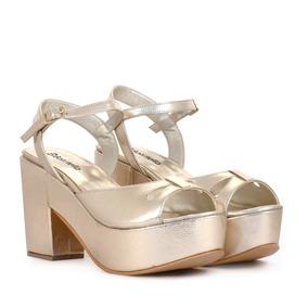 Sandalias De Cuero Grabado Oro Batistella