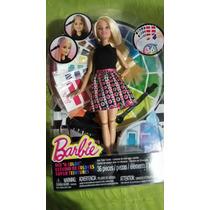 Barbie Estudio De Colores Pinta Su Cabello Y Lavalo