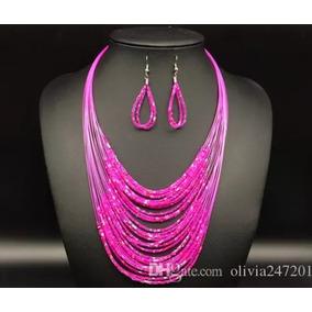 Color Rosa Collar Más Aretes Colores África Modelo Pink