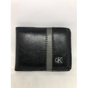 366b7c39d6926 Carteira De Couro Calvin Klein Com Chaveiro Trifold Key Ring ...
