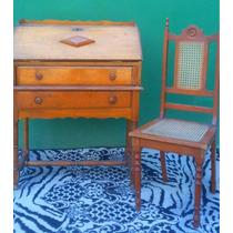 Escrivaninha / Papeleira Com Cadeira Antiga De Madeira