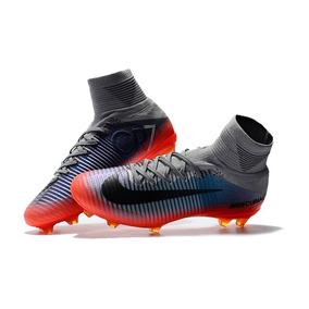 Chuteira Nike Cr7 Preta - Chuteiras Nike para Adultos Vermelho no ... abf9742ffd881