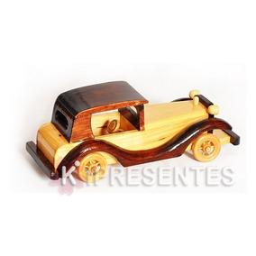 Carro Em Miniatura De Madeira