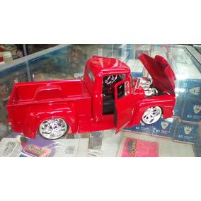 Carro De Colección Ford -100 1956 1:24