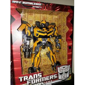 Boneco Transformers Bumblebee. Mpm-2 Masterpiece