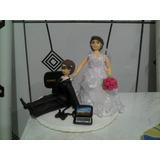Topo De Bolo Casamento Biscuit - Noivo Jogando Video Game