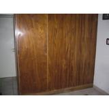 Mueble Divisorio De Madera Con Puertas De Ambos Lados.