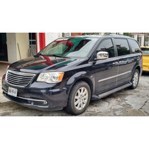 Town & Country 2011 Limited Impecable