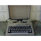 Máquina De Escribir Manual Mca. Omega 30