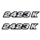 Par Emblema Resinado 2423k Caminhão Lateral Mercedes Benz