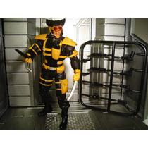 Wolverine Uniforme Spy Com Grade De Armas Marvel Universe
