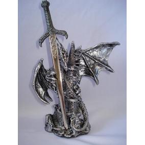 Dragón Medieval Con Espada En Castillo Envío Gratis