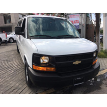 Chevrolet Express Van 15 Pasajeros 2015.