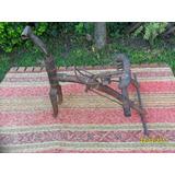 Parte De Antiguo Triciclo En Hierro Con Deterioro Faltantes