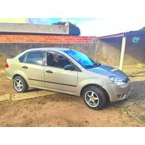Fiesta Sedan 2005 1.6