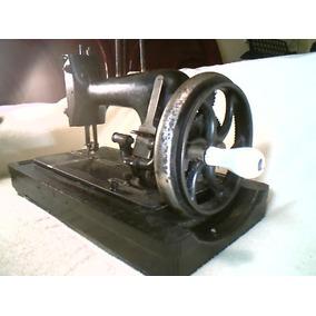 Antiga Máquina De Costurar Manual Dietrich Vesta