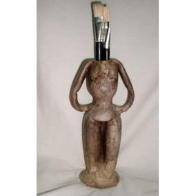 Escultura Rústica En Porcelana Fria - Figura Fenenina