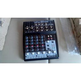 Mezcladora De Sonidos Behringer Xenyx 802