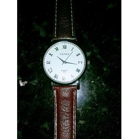 Relógio Com Bracelete Em Couro