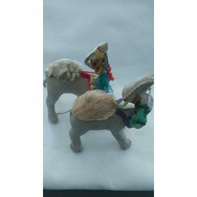 Camellos Arabes De Piel, Figuras