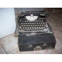 Reliquia !!! Antigua Maquina De Escribir Underwood C/estuche