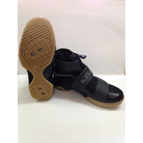 Zapatos Lebron Soldier 10
