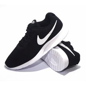 Zapatillas Nike Modelo Running Tanjun