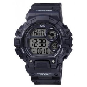 Reloj Q&q Tactico Modelo M144 Negro