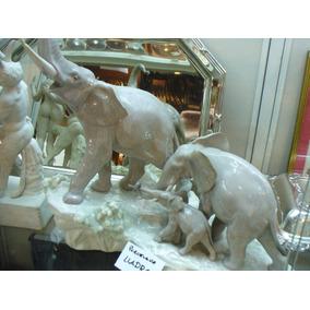 Porcelana Lladro Tres Elefantes Sobre Base De Porcelana