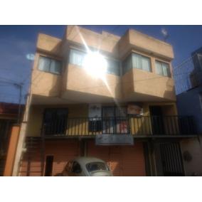 Local Ideal Para Papelería, Tienda De Regalos, Barberia. Buena Ubicación