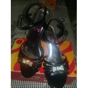 Sandalias De Dama Marca Jepa Fashion Talla 37 Negra Y Plata