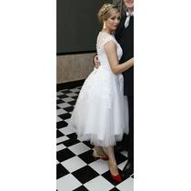 Vestido De Noiva Médio E Sapato Scarpin Vermelho E Dourado.