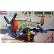 Avião P-47 Thunderbolt Gabreski Kit Academy 1/48 Tipo Revell