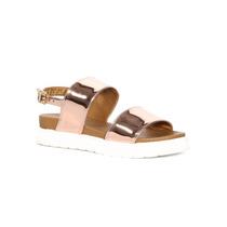 Trender Sandalia Flat En Color Oro Rosado Y Suela Blanca