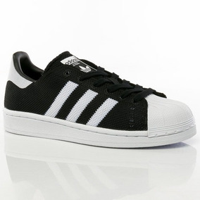 zapatilla adidas superstar negra